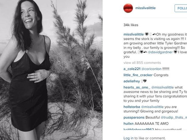 Celebrity just announced pregnancy