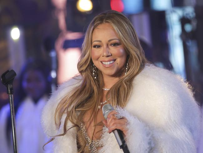 The star performed a medley of Vision of Love and Hero.
