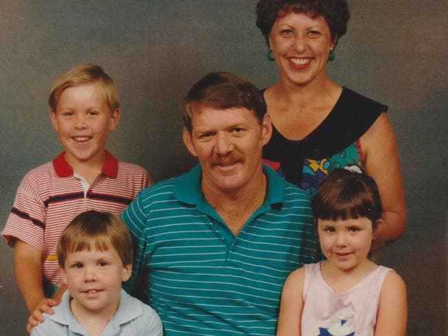 Alicia with her dad Gary and family. Picture: Supplied