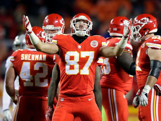 Tight end Travis Kelce celebrates after the Chiefs gained a crucial first down during the fourth quarter.
