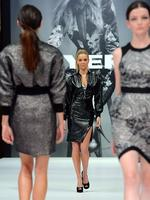 Jennifer Hawkins struts the catwalk. Picture: Alex Coppel