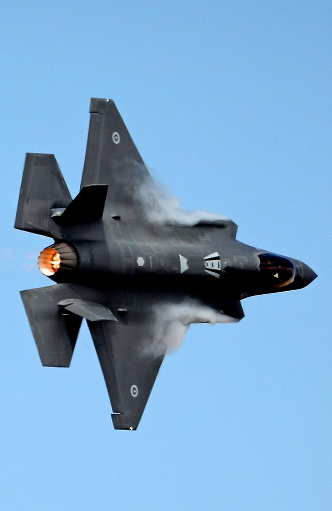AVALON, AUSTRALIA - MARCH 03: A Joint Strike Fighter (JSF) F-35 flies during the Avalon Airshow on March 3, 2017 in Avalon, Australia. Australia's first F-35s made their public debut at the Avalon Air Show. The two Joint Strike Fighters are currently based at Luke Air Force Base in the United States, but were flown to Australia for the first time by Royal Australian Air Force. (Photo by Scott Barbour/Getty Images)