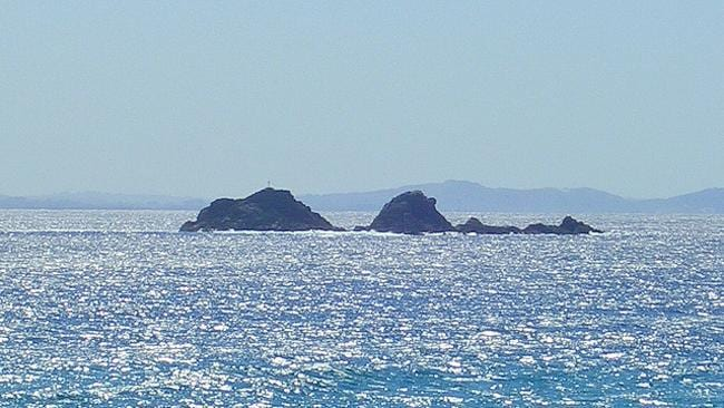 "<div class=""caption-text"">   Julian Rocks near Byron Bay is a popular dive site in New South Wales. Picture: Flickr user Will Ellis  </div>  <div align=""left"" style=""border: medium none"">   <br />  </div>"