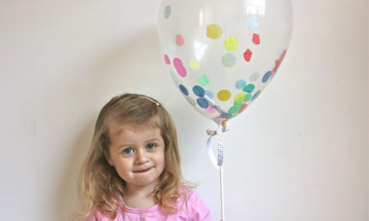 Confetti balloon party invitation