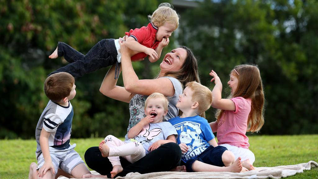 Abbey Hamilton with her five kids Coopa 6, Myah 5, Oliver 4, Isabelle 22 months and Spencer 22 months at Upper Coomera. Picture: Adam Head