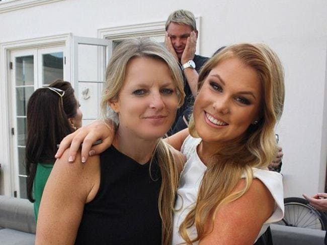 Brooke Warne with her mum Simone Callahan and dad Shane Warne in the background. Picture: Instagram