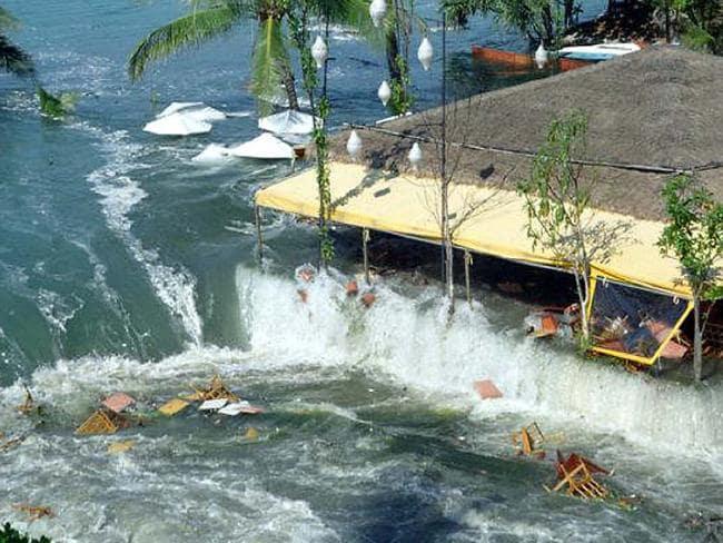 Boxing Day tsunami, 2004, Aussie paramedic's tale