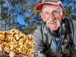 MARYBOROUGH GARBO FINDS MASSIVE GOLD NUGGET
