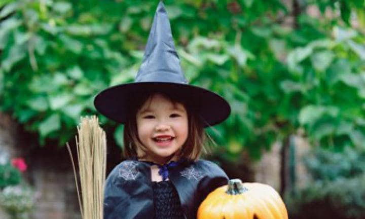 Witch costume: make a witch's hat