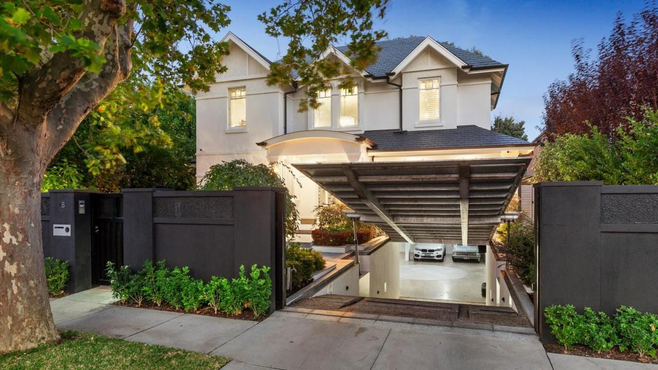 Man Cave Show Australia : Hillcrest ave kew comes with ultimate mancave