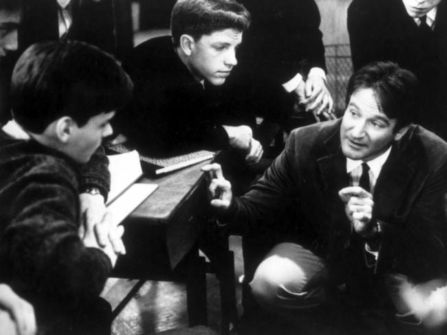a plot overview of the story dead poets society Kleinbaum, nancy h - dead poets society - content summary - robert krause - presentation / essay (pre-university) - english - literature, works - the story is placed in 1959 - it's about a school in america, called welton academy.