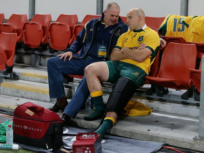 Stephen Moore on the bench following his knee injury. Picture: Peter Wallis