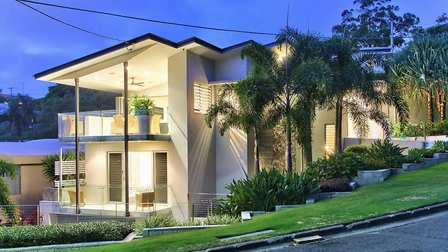38 Grays Rd, Hamilton, $2000 per week. Fully-furnished executive home; Three levels with elevator; Three queen-sized bedrooms; Main suite has walk-in robe; Private tiled courtyard and wet bar; Views to the river and city.