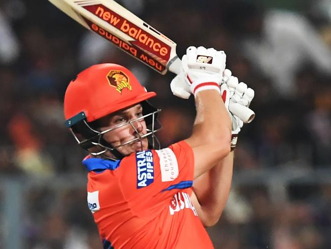 Gujarat Lions cricketer Aaron Finch hits out against Kolkata.