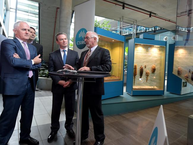 New plan ... Australian Prime Minister Malcolm Turnbull and Innovation Minister Christopher Pyne are seen as they tour the discovery centre at the CSIRO in Canberra. Picture: AAP