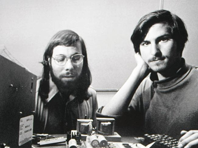 Steve Wozniak and Steve Jobs created the first Apple computer in 1976.