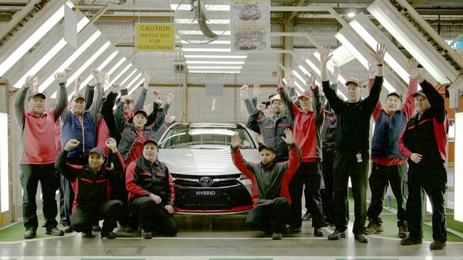 Toyota employees farewell the commemorative Camry. Picture: Supplied.