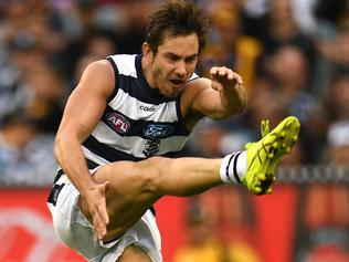 Daniel Menzel of the Cats is seen in action during the Round 4 AFL match between the Hawthorn Hawks and Geelong Cats at the MCG in Melbourne, Monday, April 17, 2017. (AAP Image/Julian Smith) NO ARCHIVING, EDITORIAL USE ONLY