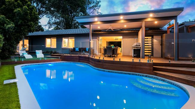 3 Dunk Place, Kings Langley, also cracked $1 million, selling for $1.165 million.