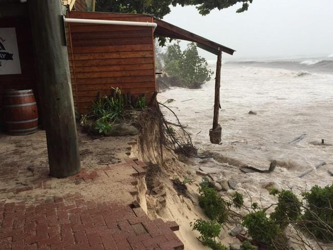 David LewisVerified account ‏@dlewis89 Incredible pictures courtesy of Margaret Gearin on Great Keppel Island. #TCMarcia @abc730 @abcnews_qld