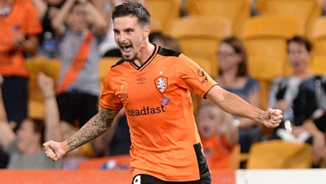 BRISBANE, AUSTRALIA - MARCH 04: Jamie Maclaren of the Roar celebrates scoring a goal during the round 22 A-League match between the Brisbane Roar and the Western Sydney Wanderers at Suncorp Stadium on March 4, 2016 in Brisbane, Australia. (Photo by Bradley Kanaris/Getty Images)