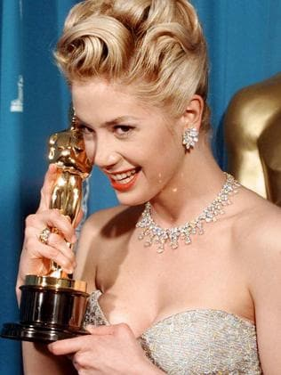 Mira Sorvino with her Best Supporting Actress Oscar for Mighty Aphrodite