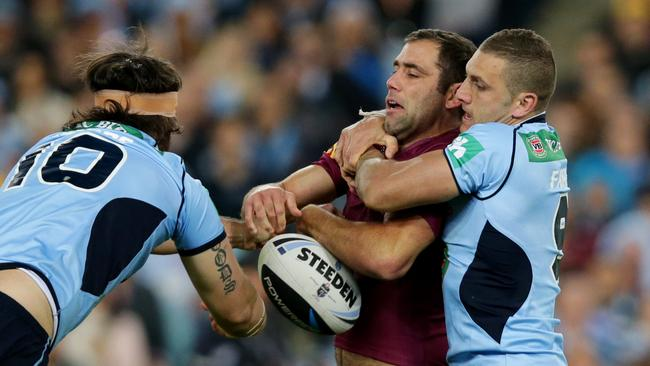 Farah gets hold of Cam Smith to prove he has the toughness required for Origin.