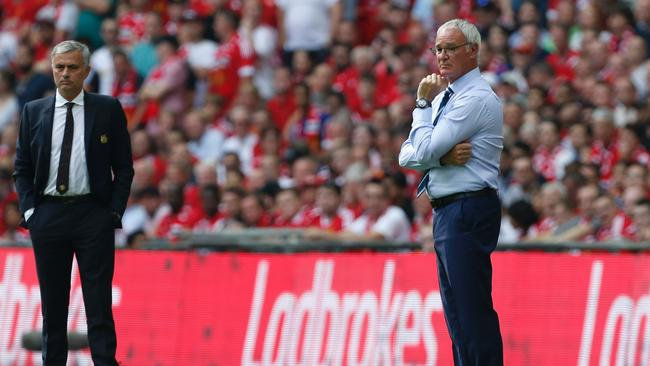 Leicester City's Italian manager Claudio Ranieri (R) and Manchester United's Portuguese manager Jose Mourinho (L).