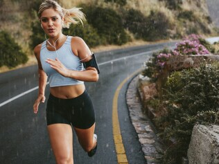 New study suggests smiling makes you run faster
