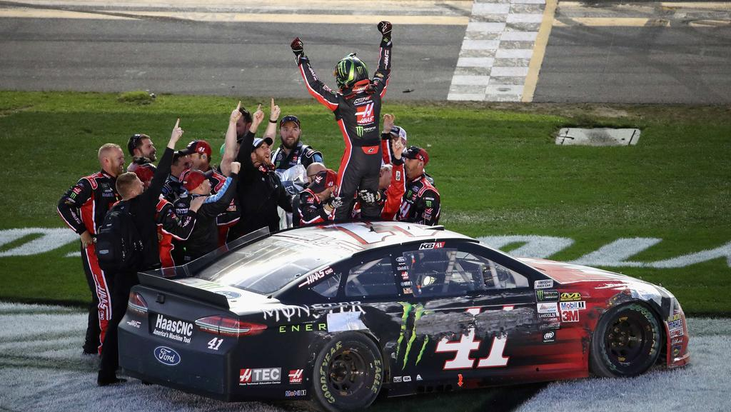 Kurt Busch won a crash-strewn Daytona 500.