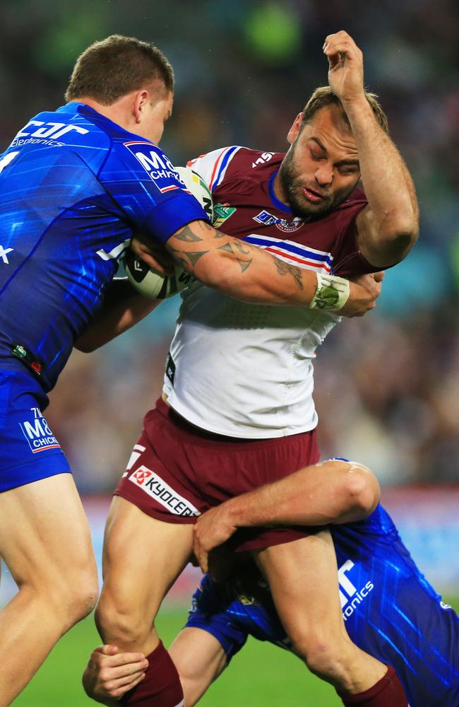 Brett Stewart tackled by Greg Eastwood.