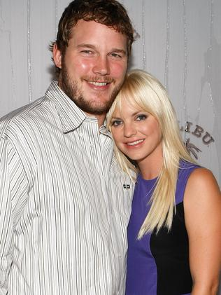 Chris Pratt (L) and actress Anna Faris in 2009 when she was the bigger star. Picture: Getty