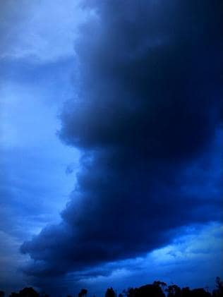 Paul Marsh's photo of the stormfront at Victor Harbor.