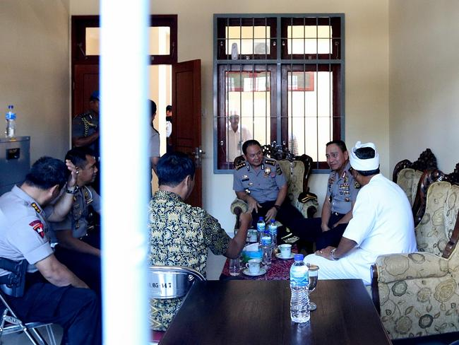 Discussions ... Kerobokan Jail Govenor Sudjonggo had a meeting with Bali Police Chief Benny Mokalu to discuss the plan how they will take Bali Nine ringleaders Myuran Sukumaran and Andrew Chan out of prison when the time comes for execution Picture: Adam Taylor