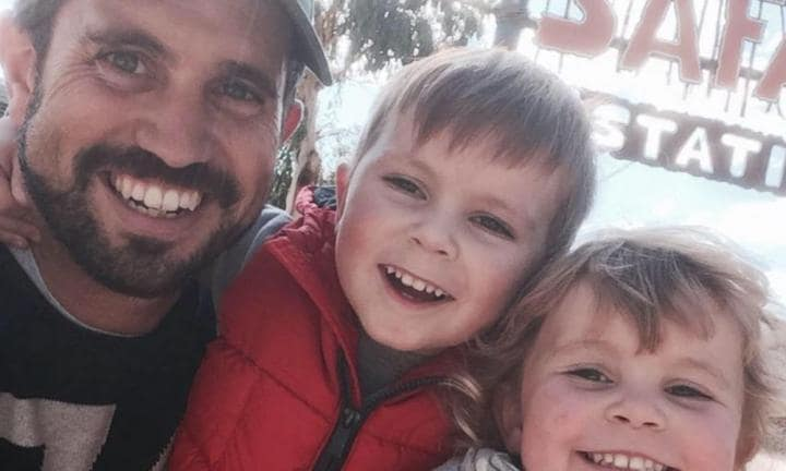 Widowed dad's open letter slamming father-of-two he just met at the airport