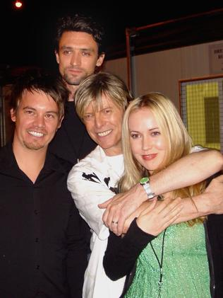 Something For Kate hang out with David Bowie in 2004