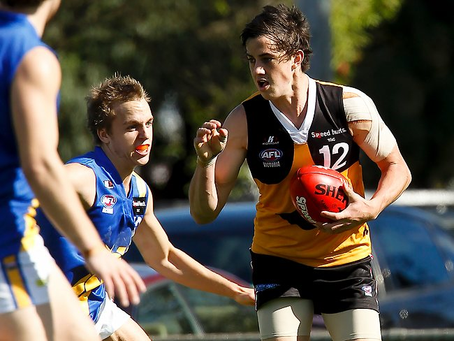 S44os895 TAC CUp Footy- Dandy v Western Jets at Shelpley Oval. Pictured is stingrays # 12 Taylor Garner Picture: Loughnan,paul