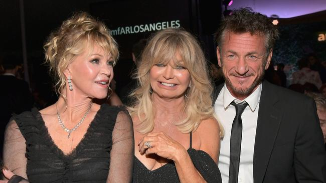Melanie Griffith, Goldie Hawn and Sean Penn. Picture: Charley Gallay / Getty Images.