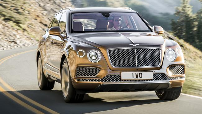 Bentley Bentayga tops Porsche Cayenne Turbo by 1km/h to be world's fastest SUV. Picture: Supplied.