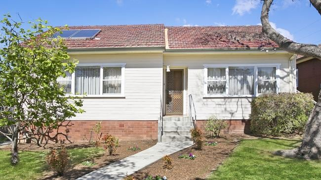 6 Lorna Ave North Ryde.