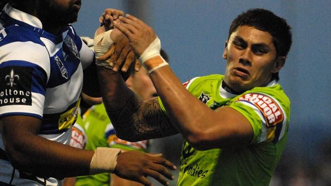 Daniel Vidotplaying for the Canberra Raiders.