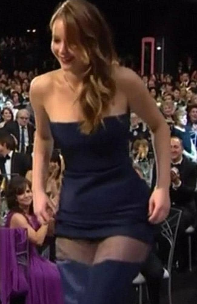 All eyes were on J-Law at the SAG Awards ... and then this happened. Picture: YouTube