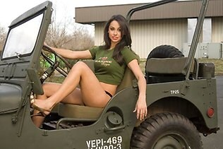Jeep was forced to remove this picture from it's Facebook page after it was deemed sexist.