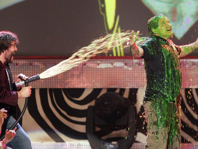 Kids' Choice Awards host Jack Black, left, slimes Robin Williams at the Kids' Choice Awards, Saturday, April 1, 2006, in Los Angeles. Picture: AP