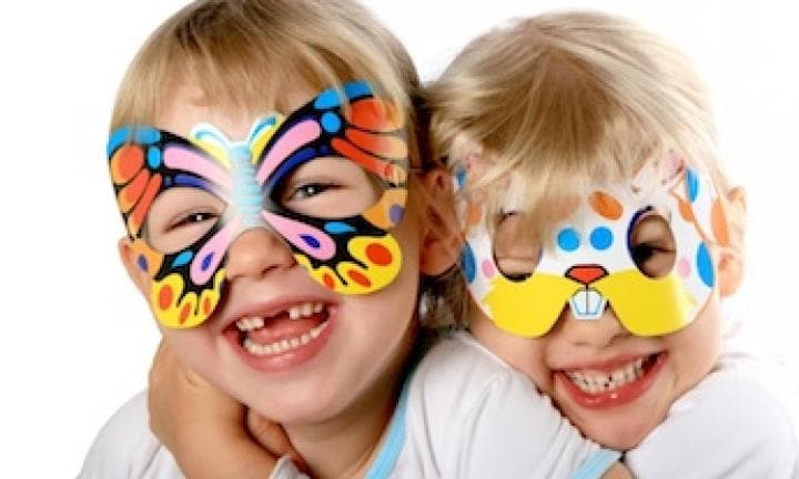 Easy costume: butterfly mask