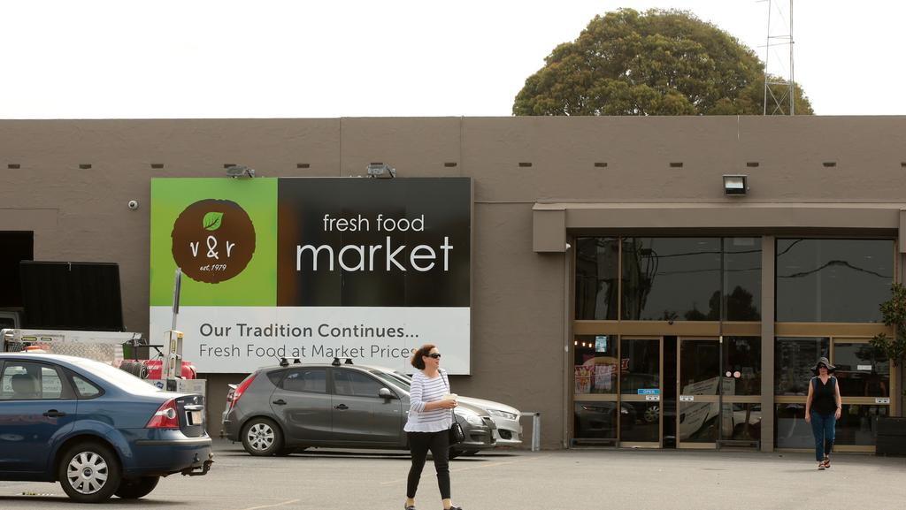 V & R Fresh Food Market, Geelong West to stay open as liquidators assess  its future
