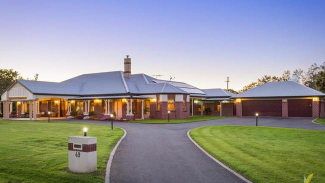 This would be amazing to come home to: 49 Landing Place Moggill.