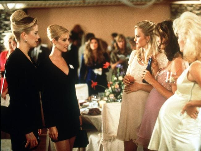 I invented Post Its ... Romy and Michele impress their former classmates.
