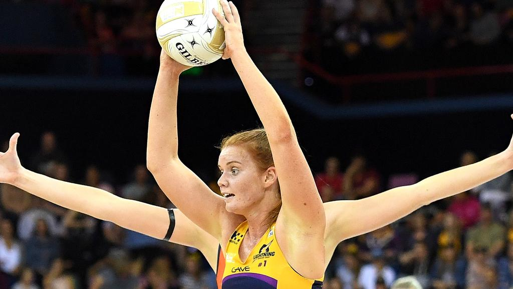 BRISBANE, AUSTRALIA — JUNE 17: Stephanie Wood of the Lightning looks to pass during the Super Netball Grand Final match between the Lightning and the Giants at the Brisbane Entertainment Centre on June 17, 2017 in Brisbane, Australia. (Photo by Bradley Kanaris/Getty Images)