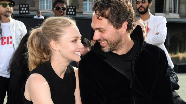 Amanda Seyfried to wed Newsroom star Thomas Sadoski after ...